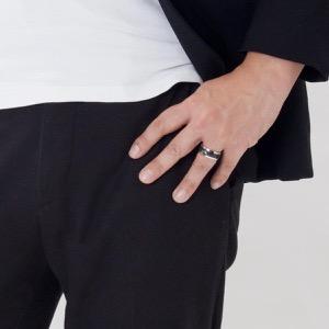 エンポリオアルマーニ リング【指輪】 アクセサリー メンズ イーグルマーク 19号 シルバー&ブラック EGS1602040510 190 EMPORIO ARMANI