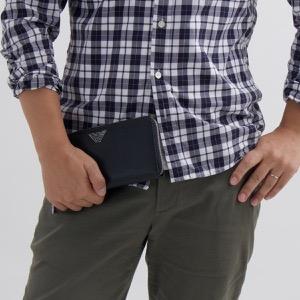エンポリオアルマーニ 長財布 財布 メンズ イーグルマーク ブラック Y4R169 YLA0E 81072 EMPORIO ARMANI