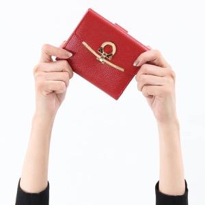 フェラガモ 二つ折り財布 財布 レディース ガンチーニ リップスティックレッド 22C877 LIPSTICK 0673999 2018年秋冬新作 SALVATORE FERRAGAMO
