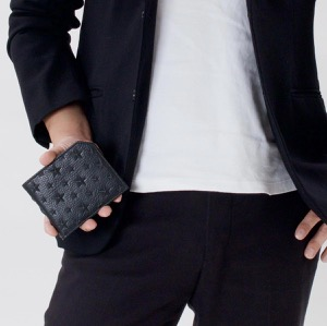 ジミーチュウ 二つ折り財布 財布 メンズ レディース オールバニ エンボスド スターズ ブラック ALBANY EMG 161 BLACK JIMMY CHOO
