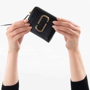 マークジェイコブス 二つ折り財布 財布 レディース スナップショット ダブルJロゴ ブラックマルチ M0014282 002 MARC JACOBS