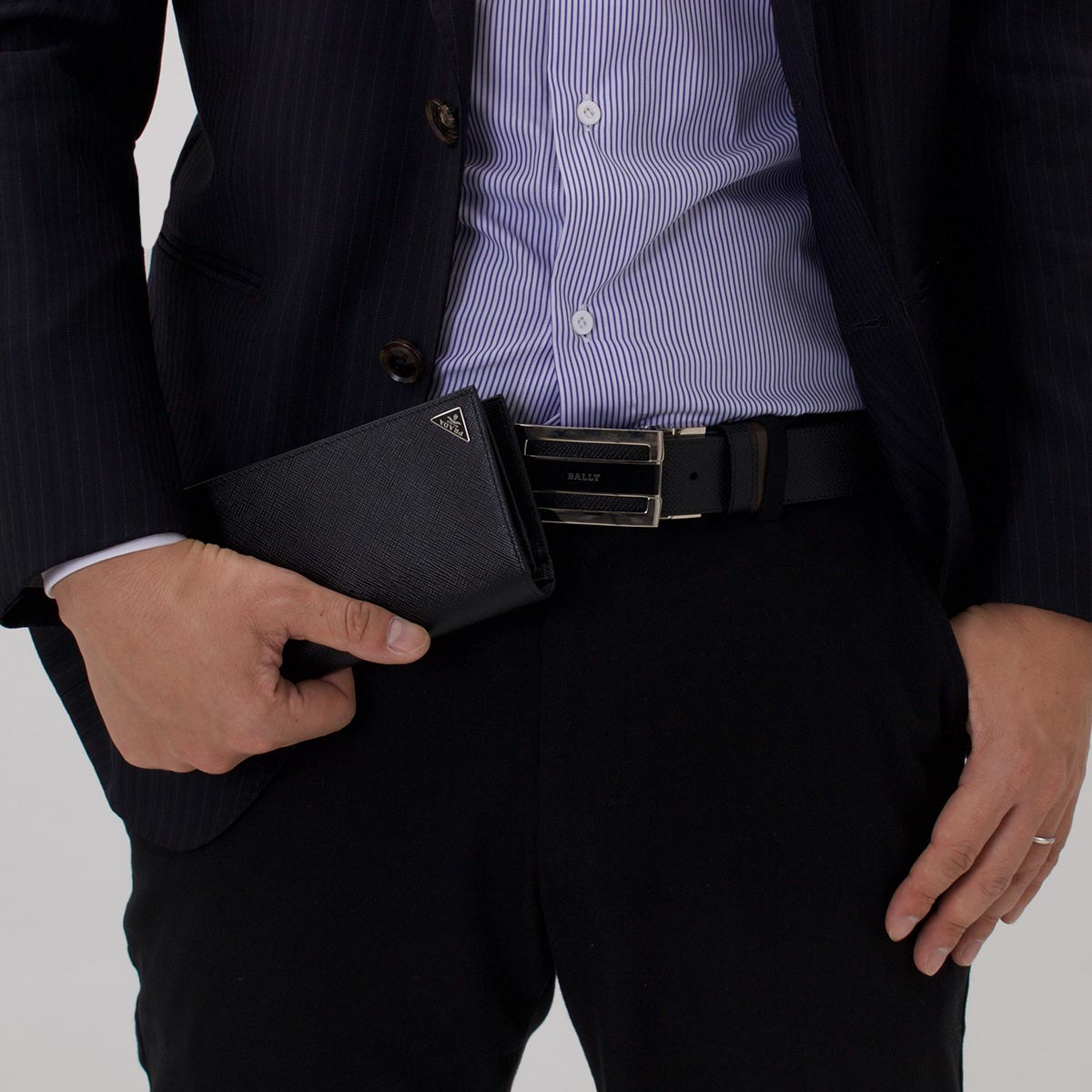 3d918bfab3f2 楽天市場】プラダ 長財布 財布 メンズ SAFFIANO TRIANG ブラック 2MV836 ...