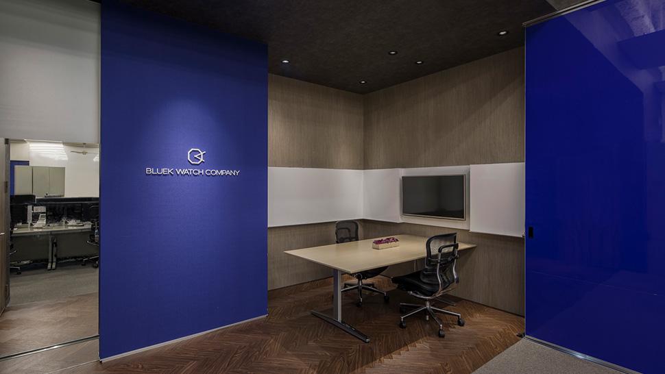 メインオフィスに併設するミーティングスペース